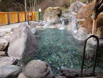 渓谷を望む女性用大露天風呂