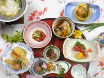 *夕食(一例)/季節の素材を活かした料理長自慢の「あずまかん懐石」