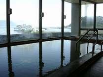 天然温泉のかけ流し、茶褐色の桜島マグマ温泉♪
