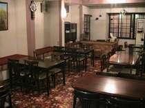 食堂の様子。落ち着ける空間になっている。