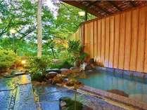 渓谷美豊かな露天風呂。心も体も癒してくれます。