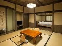 離れ和洋室です。築200年の古民家の梁などを使用した造りです。