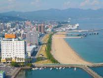 *当館近くに、餅ケ浜海浜公園あり!