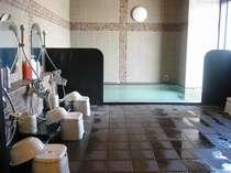 最上階14階に男女別でご用意。福井市街の夜景もご覧いただけます。女性用は施錠式で安心ご入浴!