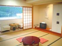 シンプルな造りの「和室」