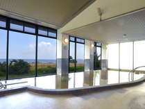 陽の岬温泉・大浴場/メタケイ酸を多く含んだ天然の美肌の湯。九州でも珍しい炭酸泉です。