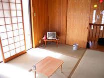 やんばるの景色が見れる和室六畳!