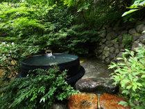 @【新緑を望む露天風呂】緑が美しい季節は、お風呂と澄んだ空気にリラックス…☆