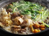 @【山椒ぼたん鍋】香り高い山椒がピリリっと効いて、味が締まります。数量限定の人気メニューです。