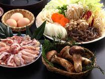 @松茸と地鶏の風味と香りが食欲をそそる松茸入り地鶏味噌すき焼き