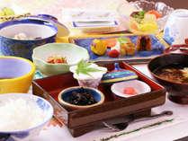 1日の元気を作る朝食にも郷土の素材を活かし栄養のバランスを考えた和朝食