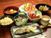 *【夕食一例】夕食は、地産の旬の美味しいものを用いますので、お品書きが季節で異なります。