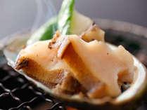 【春~初夏限定】 こだわりの「牛ステーキ」or「鮑バター焼き」旬の食材「セレクト会席」プラン