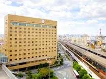 【ホテル外観】京阪守口市駅直結。関空リムジンのバス停もホテル前信号を渡ってすぐ!