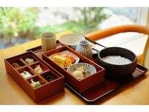 京大和屋の朝食(和定食)朝粥も選べます