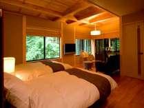 別邸「青天」、滝見源泉かけ流し露天風呂付。プレミアムルーム。リピーター率No1のお部屋です。