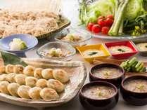 ■ご朝食一例:おそばや長いも、新鮮なお野菜におやきなど、信州の特産品が揃ったご朝食ブッフェの一例