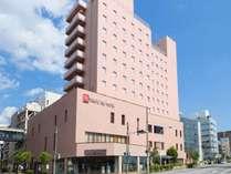 ■JR松本駅ロータリーを右手に進むとご覧になれるホテル外観