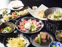 『お肉中心の会席』一例。東伯和牛ステーキ・馬刺しなど、お肉をふんだんに使っています