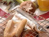 海鮮炭火焼。旬の海鮮をご自身で焼いてお召し上がりいだだきます。
