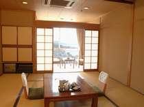 しまなみ海道側の海や尾道の町並み等の風景が望める東側客室