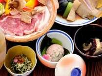 こだわり豚の名物「瀬戸内六穀豚の陶板焼き」付和風会席プラン