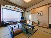 和室10畳タイプ(もしくは12.5畳)は全室瀬戸内オーシャンフロント!天候次第で美しい朝日も!
