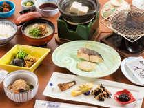 """【和朝食】ホッと落ち着く、旅館ならではの""""ご朝食""""1日の始まりにごゆっくり。"""