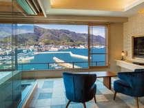 【ビューバス付セミスイート◇410号室】穏やかな港町の風景をすぐ傍に。気兼ねない湯贅をお楽しみ下さい