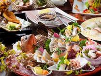 """海沿いの宿ならではの『新鮮な魚料理』の旨み!ひと品ずつ丁寧に目利きした、""""鮮度抜群""""の美味しさを"""