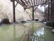 *【露天風呂】区画ごとに温度が違い、交互に入ると気持ちよくておすすめです。