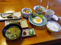 朝食例。家庭的な和食がカラダもココロも元気にしてくれます♪しっかり元気チャージ!