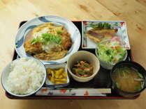 【夕食付き】部屋着でゆったり食べよう 夕ごはん!手作りのお料理をふんだんに 日替り定食!(平日のみ)