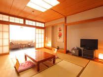 落ち着いた雰囲気の和室でごゆっくりとお寛ぎください