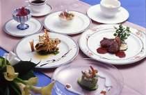旬の素材と産直鮮魚で創作フレンチが食卓に♪