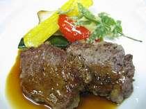 メダイヨン・テンダーロインステーキ(肉料理)