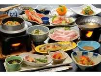 郷土料理プランの夕食例♪熱々のほたてや海鮮釜飯もご堪能