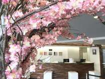 桜がロビーに・・