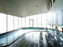 福井を一望する天空大浴場は朝夕男女浴室入替制でサウナ・無料マッサージ機を付帯しています。