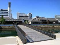 出島表門橋に一番近いホテルです。
