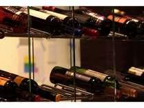 和のテイストをフュージョンした多彩な料理とワインをご一緒にご堪能ください。