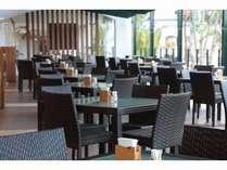 ビュッフェレストラン「マーセン」南国の風に癒されながらのお食事もお楽しみいただけます。