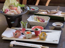 """【お得な平日限定】美味しいものを少しずつ♪""""山のかまど""""でお料理少量美味会席プラン"""