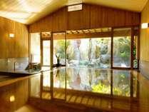 【大浴場・婦人の湯】毎分600リットルの湯量を誇る伊東温泉の源泉で湯浴み三昧の贅沢