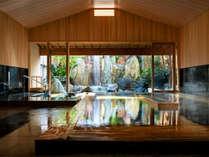 【大浴場内風呂】大浴場は、古代檜の香りに包まれる内風呂