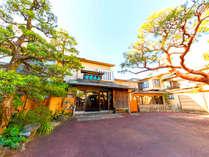 【施設外観】昭和7年創業の木造建築。その当時の歴史を感じていただければ幸いです。