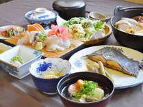 【ご夕食一例】海と山に囲まれたこの土地ならではの美味しさを存分にお楽しみください