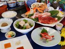 【いさり火会席】「牛&豚ロース」と「カニ・海老・ホタテ・旬魚」の山海鉄板焼き