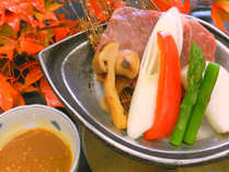 牛フィレと松茸の陶板焼き