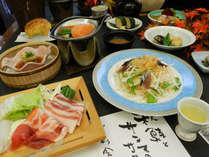 【秋の楽彩会席】「国産豚(蔵王ジャパンエックス)の黄金鍋」と「秋鮭のバター味噌焼き」